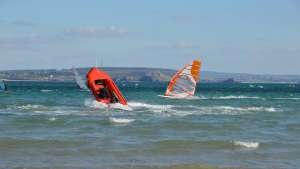 Windsurfer am Morgat Strand