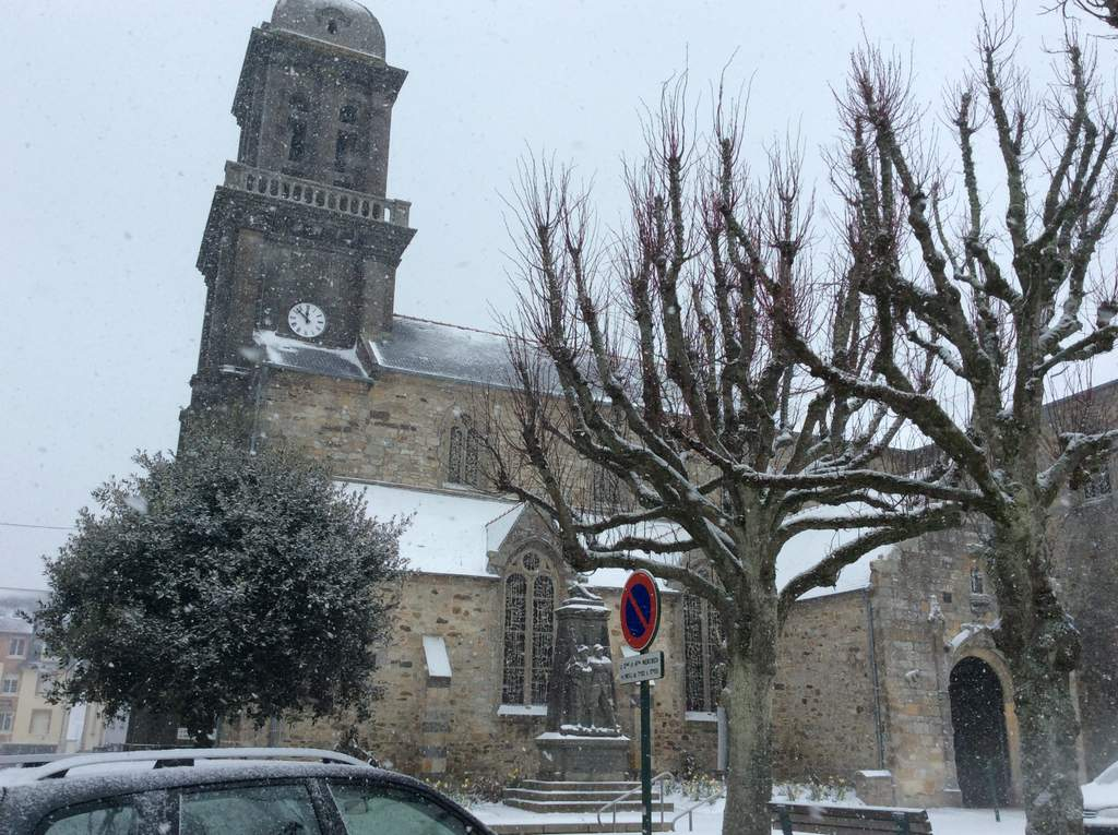 Schnee am morgen in Crozon